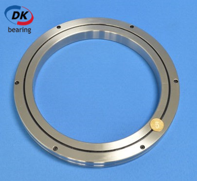 What is the advantage of crossed roller bearing for industrial robots?
