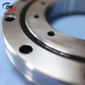 RU148G-90x210x25mm-Crossed Roller Bearing